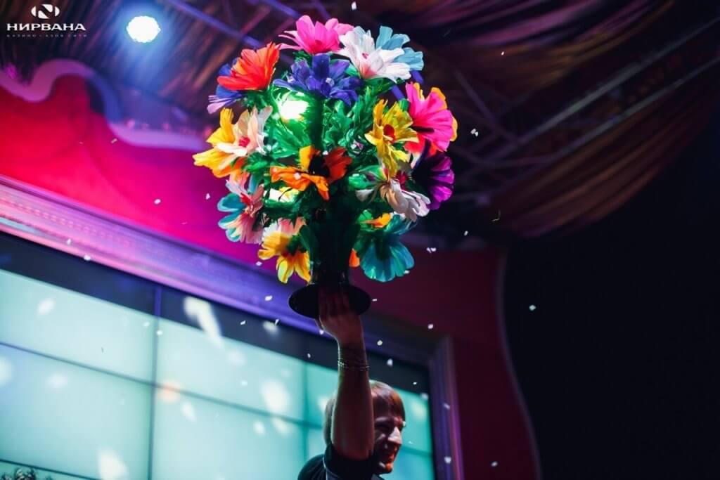 фокус с цветами из шоу